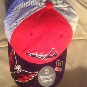 Reebok Accessories - Official Slouch Hat Cap Washington Capitals NEW